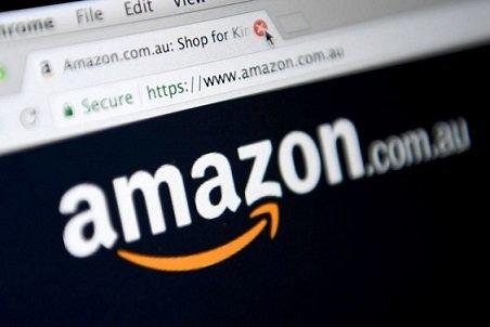 Руководитель Amazon прогулялся ссобакой-роботом